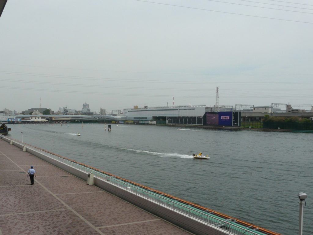 尼崎競艇場3